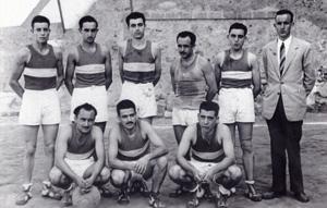 1952 a Caldes. A d'alt i d'esquerra a dreta: J.Lluís Mora, J.Seguer, Josep Mas, Joan Codina, Jaume Gorina, Viscens Serra. A baix: Alfons Codina, Pere Vila i Miquel Gorina.